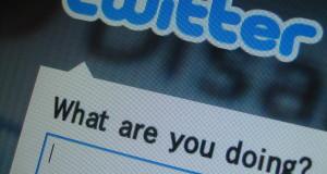 Prečo nezačínať tweet zavináčom?