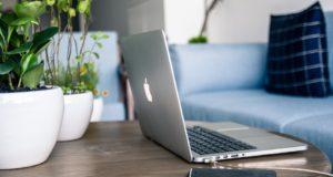 Desať rád ESETu, ako svoj digitálny život ochrániť aj na dovolenke a cestách