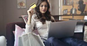4 spôsoby, ako ušetriť pri nakupovaní oblečenia